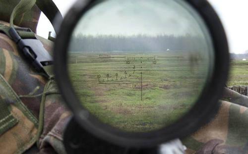 狙击手知道风速、空气湿度有什么用 狙击手观察员的作用