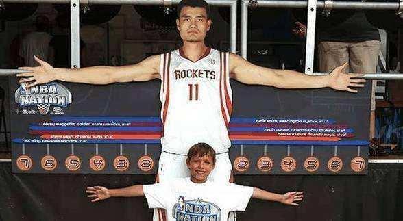 臂展和身高比例多少正常 世界上臂展和身高比例最大的人
