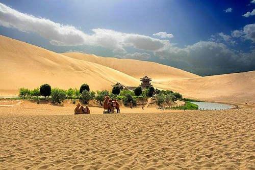 沙漠中为什么会有绿洲 沙漠绿洲是怎么形成的