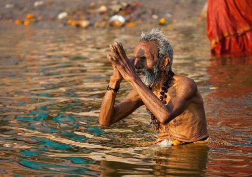 印度恒河的水有什么梗 印度恒河为什么那么脏
