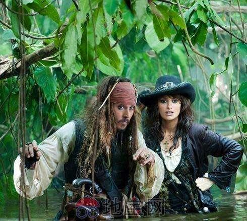 加勒比海盗为什么伊丽莎白的父亲不上船