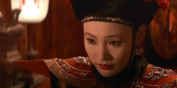 末代皇帝皇后生的孩子死了吗 皇后是怎么疯的