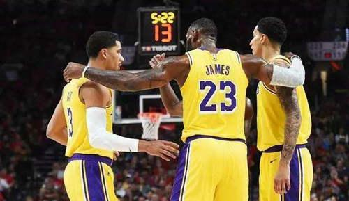 NBA为什么要把球衣塞进裤子里