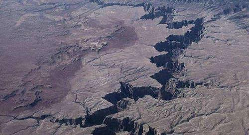 东非大裂谷有多深 是怎么形成的