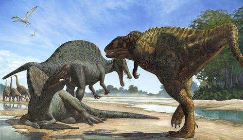棘龙和霸王龙是一个时期的吗 谁更厉害一些