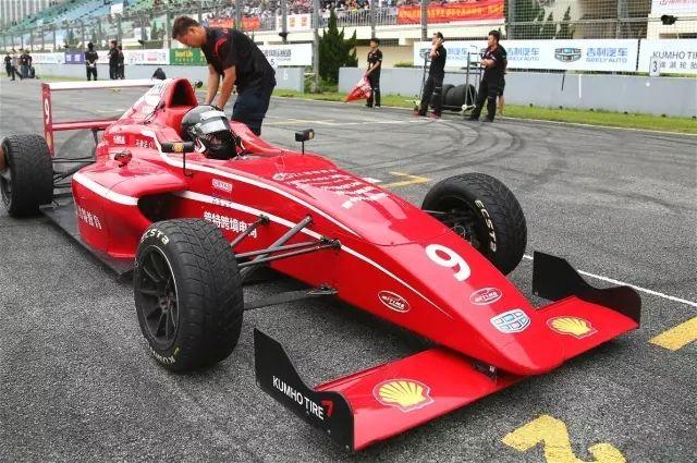 F1和F4赛车的区别 F1F4分别什么意思