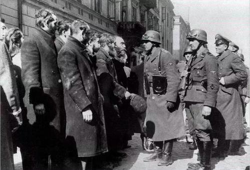 二战犹太人一共死了多少人 犹太人对德国做了什么