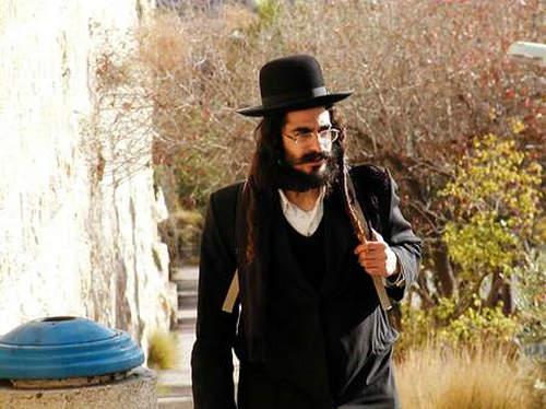 犹太人发型渊源是什么 为什么留一根小辫子