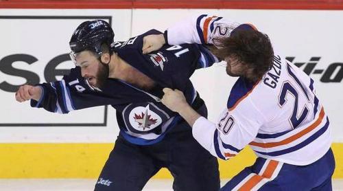 冰球打架规则是什么 冰球为什么可以打架