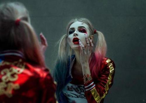 小丑女原来是干什么的 她为什么会爱上小丑