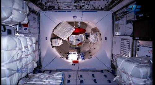 空间站是有人常驻在里面吗 空间站是干什么的
