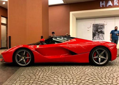 拉法是法拉利品牌下的一个型号车型,拉法是一款车