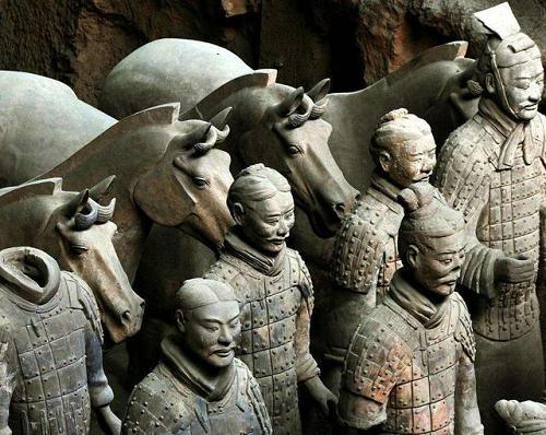 秦始皇兵马俑一共有多少个 一共出土了多少