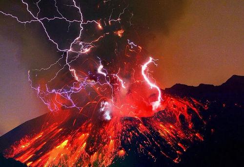 火山爆发为什么伴有雷电 火山和雷电之间的关系